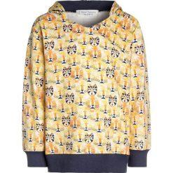 Sense Organics HOODED Bluza z kapturem yellow. Żółte bluzy chłopięce rozpinane Sense Organics, z bawełny, z kapturem. Za 139,00 zł.