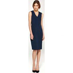 Sukienki: Granatowa Elegancka Dopasowana Sukienka do Kolan z Dekoltem V