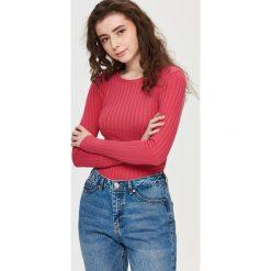 Swetry klasyczne damskie: Dopasowany sweter - Pomarańczo