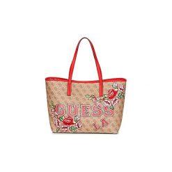 Torby shopper Guess  VIKKY TOTE. Brązowe shopper bag damskie marki Guess, z aplikacjami. Za 619,00 zł.