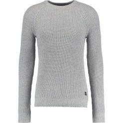 Swetry męskie: Jack & Jones JORPANNEL CREW NECK Sweter light grey melange