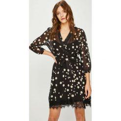 Answear - Sukienka. Szare sukienki ANSWEAR, na co dzień, l, z koronki, casualowe, z długim rękawem, maxi, rozkloszowane. Za 169,90 zł.