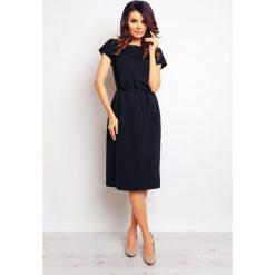Granatowa Casualowa Sukienka z Kieszeniami i Wiązaniem. Czarne sukienki mini marki bonprix, do pracy, w paski, biznesowe, moda ciążowa. Za 131,90 zł.