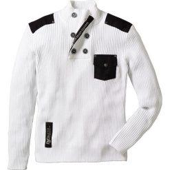 """Sweter """"Slim fit"""" bonprix biały. Białe swetry klasyczne męskie bonprix, m, z aplikacjami, z tkaniny. Za 59,99 zł."""