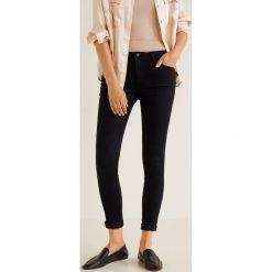Mango - Jeansy Paty. Czarne jeansy damskie Mango, z bawełny. Za 89,90 zł.