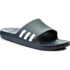 Klapki adidas - Aqualette CG3537  Conavy/Ftwwht/Conavy. Niebieskie klapki męskie Adidas, z tworzywa sztucznego. Za 99,00 zł.