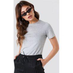 NA-KD Basic T-shirt basic z okrągłym dekoltem - Grey. Różowe t-shirty damskie marki NA-KD Basic, z bawełny. Za 52,95 zł.
