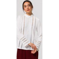 Bluzki asymetryczne: IVY & OAK Flared Bluzka snow white