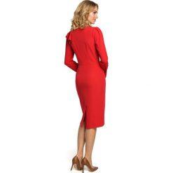 LEALA Sukienka z falbankami na ramieniu - czerwona. Czerwone sukienki balowe Moe, s, z falbankami, z długim rękawem, dopasowane. Za 139,00 zł.