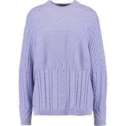Swetry klasyczne damskie: JUST FEMALE TURO CABLE  Sweter lavender
