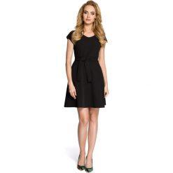 ALLISON Sukienka szmizjerka - czarna. Czarne sukienki balowe Moe, do pracy, z klasycznym kołnierzykiem, dopasowane. Za 129,99 zł.