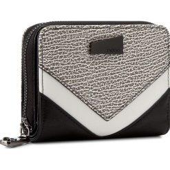 Duży Portfel Damski NOBO - NPUR-0070-C020 Kolorowy. Czarne portfele damskie marki Cropp, w kolorowe wzory. W wyprzedaży za 79,00 zł.