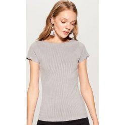 Koszulka z prążkowanego materiału - Szary. Czerwone t-shirty damskie marki Mohito, z bawełny. Za 39,99 zł.