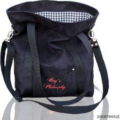 Czarna zamszowa torba w sportowym stylu. Czarne torebki klasyczne damskie Pakamera, z zamszu, zamszowe. Za 169,00 zł.