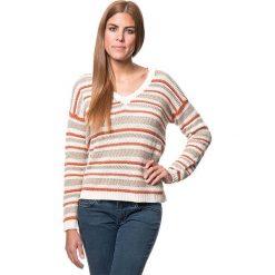 Sweter w kolorze beżowo-pomarańczowym. Brązowe swetry klasyczne damskie marki Benetton, xs, z dzianiny. W wyprzedaży za 107,95 zł.