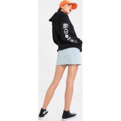Bluzy damskie: Obey Clothing RESISTANCE Bluza z kapturem black