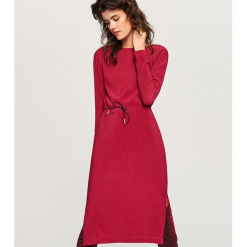Sukienka midi - Różowy. Różowe sukienki marki numoco, l, z dekoltem w łódkę, oversize. Za 59,99 zł.