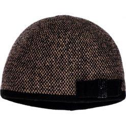 Czapka z kokardą QUIOSQUE. Brązowe czapki zimowe damskie QUIOSQUE, z dzianiny. W wyprzedaży za 49,99 zł.