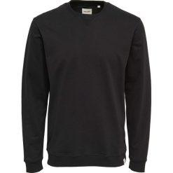 Bluza z okrągłym dekoltem. Czarne bejsbolówki męskie Only & Sons, m, z bawełny, z okrągłym kołnierzem. Za 82,28 zł.