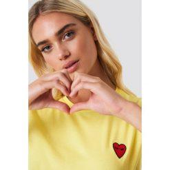 Sisters Point T-shirt Herm Sun - Yellow. Zielone t-shirty damskie marki Emilie Briting x NA-KD, l. W wyprzedaży za 56,67 zł.