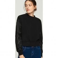 Bluza z połyskującymi rękawami - Czarny. Białe bluzy damskie marki Sinsay, l, z napisami. Za 69,99 zł.