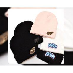 Czapka Beanie Black Hella. Czarne czapki zimowe damskie Pakamera, na zimę, z aplikacjami. Za 89,00 zł.
