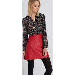 Bluzki damskie: Wzorzysta bluzka koszulowa