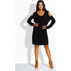 Fantazyjny sweterek sukienka z wycięciami na ramionach czarna EMILY. Brązowe sukienki marki Lemoniade, z klasycznym kołnierzykiem. Za 119,00 zł.