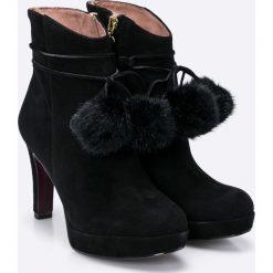 Tamaris Heart & Sole - Botki. Szare buty zimowe damskie marki Tamaris, z materiału, na sznurówki. W wyprzedaży za 239,90 zł.