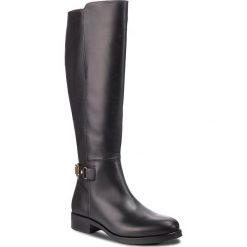 Oficerki TOMMY HILFIGER - Th Buckle High Boot FW0FW03626 Black 990. Czarne buty zimowe damskie TOMMY HILFIGER, z materiału, przed kolano, na wysokim obcasie. Za 1049,00 zł.