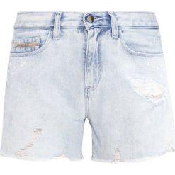 Calvin Klein Jeans Szorty jeansowe destroyed denim. Szare jeansy damskie Calvin Klein Jeans. W wyprzedaży za 314,30 zł.