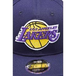 New Era - Czapka Los Angeles Lakers. Szare czapki z daszkiem męskie New Era. W wyprzedaży za 99,90 zł.