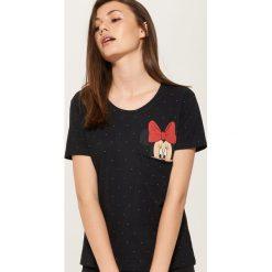 T-shirt z kieszonką Minnie Mouse - Czarny. Szare t-shirty damskie marki Reserved, l. Za 39,99 zł.