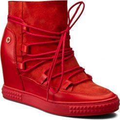Sneakersy CARINII - B3839 H54-H55-PSK-B88. Czerwone sneakersy damskie Carinii, z nubiku. W wyprzedaży za 289,00 zł.