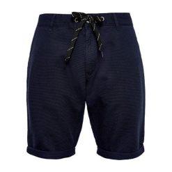 Q/S Designed By Szorty Męskie 32 Niebieskie. Niebieskie szorty męskie marki Oakley, na lato, z bawełny, eleganckie. W wyprzedaży za 119,00 zł.