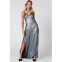 Długie sukienki: ASTR Sukienka Raven - Grey,Silver