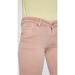 Answear - Jeansy Garden of Dreams. Białe rurki damskie marki ANSWEAR, z bawełny. W wyprzedaży za 79,90 zł.