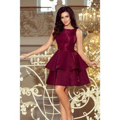 JENNIFER podwójnie rozkloszowana sukienka z koronkową górą - BORDOWA. Czerwone sukienki koronkowe numoco, s, w koronkowe wzory, rozkloszowane. Za 209,99 zł.