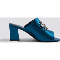 a65eeb9ade4ec NA-KD Shoes Klapki ze zdobieniami - Blue. Niebieskie klapki damskie NA-KD  ...