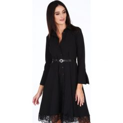 Sukienka z koronkową falbanką czarna 1902. Czarne sukienki koronkowe marki Fasardi, m. Za 99,00 zł.