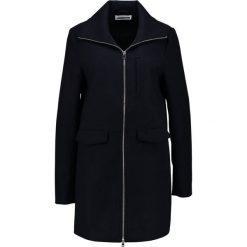 Płaszcze damskie: Noisy May Tall NMMINNA  Krótki płaszcz navy blazer