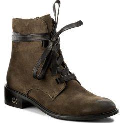 Botki CARINII - B4235 I43-E50-PSK-C58. Zielone buty zimowe damskie Carinii, z nubiku, na obcasie. W wyprzedaży za 239,00 zł.