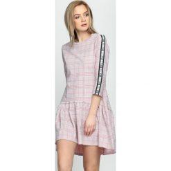 Różowa Sukienka Dashed Line. Czerwone sukienki hiszpanki Born2be, na lato, s, mini. Za 64,99 zł.
