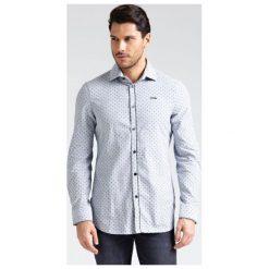 Koszula Ze Wzorem W Małe Groszki. Czarne koszule męskie na spinki Guess, m, w grochy, z bawełny, z klasycznym kołnierzykiem, z długim rękawem. Za 369,00 zł.