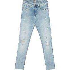 Jeansy super skinny fit z przetarciami. Szare jeansy męskie regular Pull&Bear. Za 62,90 zł.