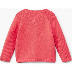 Mango Kids - Sweter dziecięcy Ines 80-104 cm. Różowe swetry dziewczęce Mango Kids, z bawełny, z okrągłym kołnierzem. W wyprzedaży za 39,90 zł.