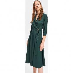 Kopertowa sukienka - Khaki. Brązowe sukienki marki Mohito, l, z kopertowym dekoltem, kopertowe. Za 179,99 zł.