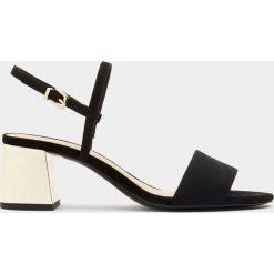Sandały damskie: Sandały na metalizowanym obcasie