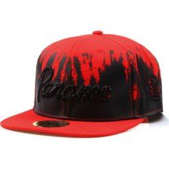 Czapka męska snapback czerwona (hx0212). Czerwone czapki z daszkiem męskie marki Dstreet, z haftami, eleganckie. Za 69,99 zł.