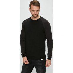 Jack & Jones - Sweter. Czarne swetry klasyczne męskie marki Jack & Jones, l, z bawełny, z okrągłym kołnierzem. Za 169,90 zł.